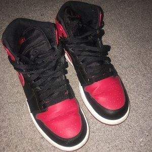 Retro Jordan 1 , can be easily fixed!!